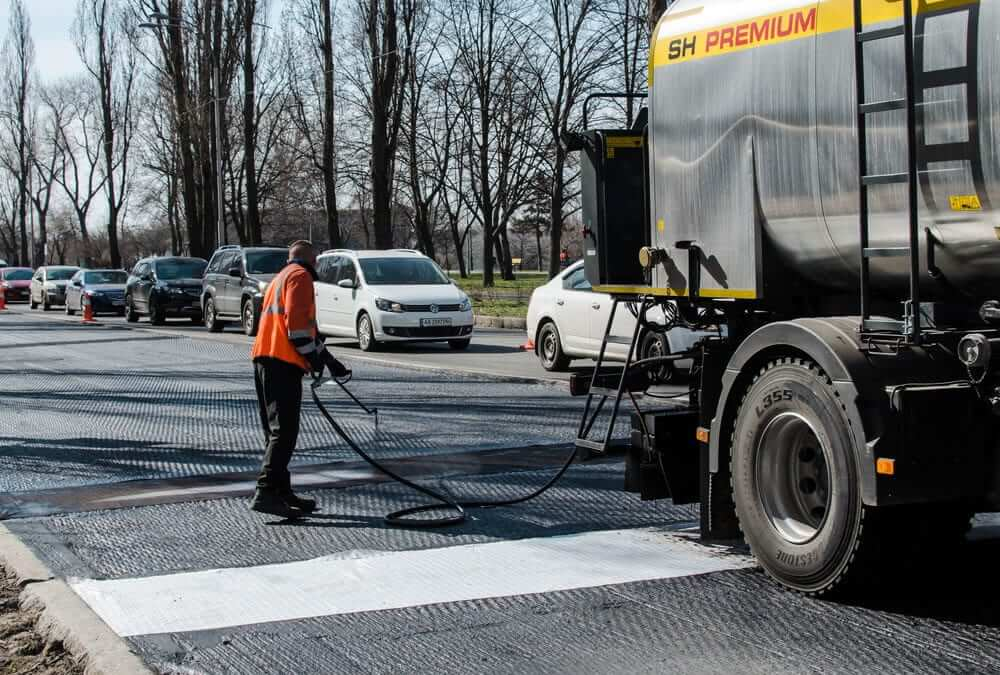 Blacktop Sealcoating: How it Can Save Your Business