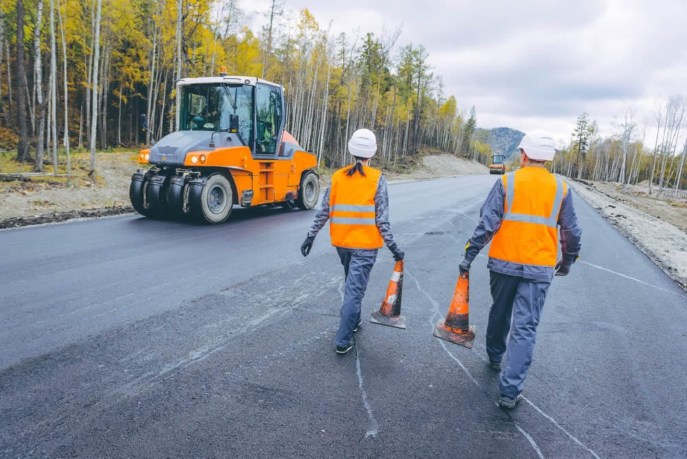 Commercial Asphalt Paving and You: How to Choose the Best Contractor